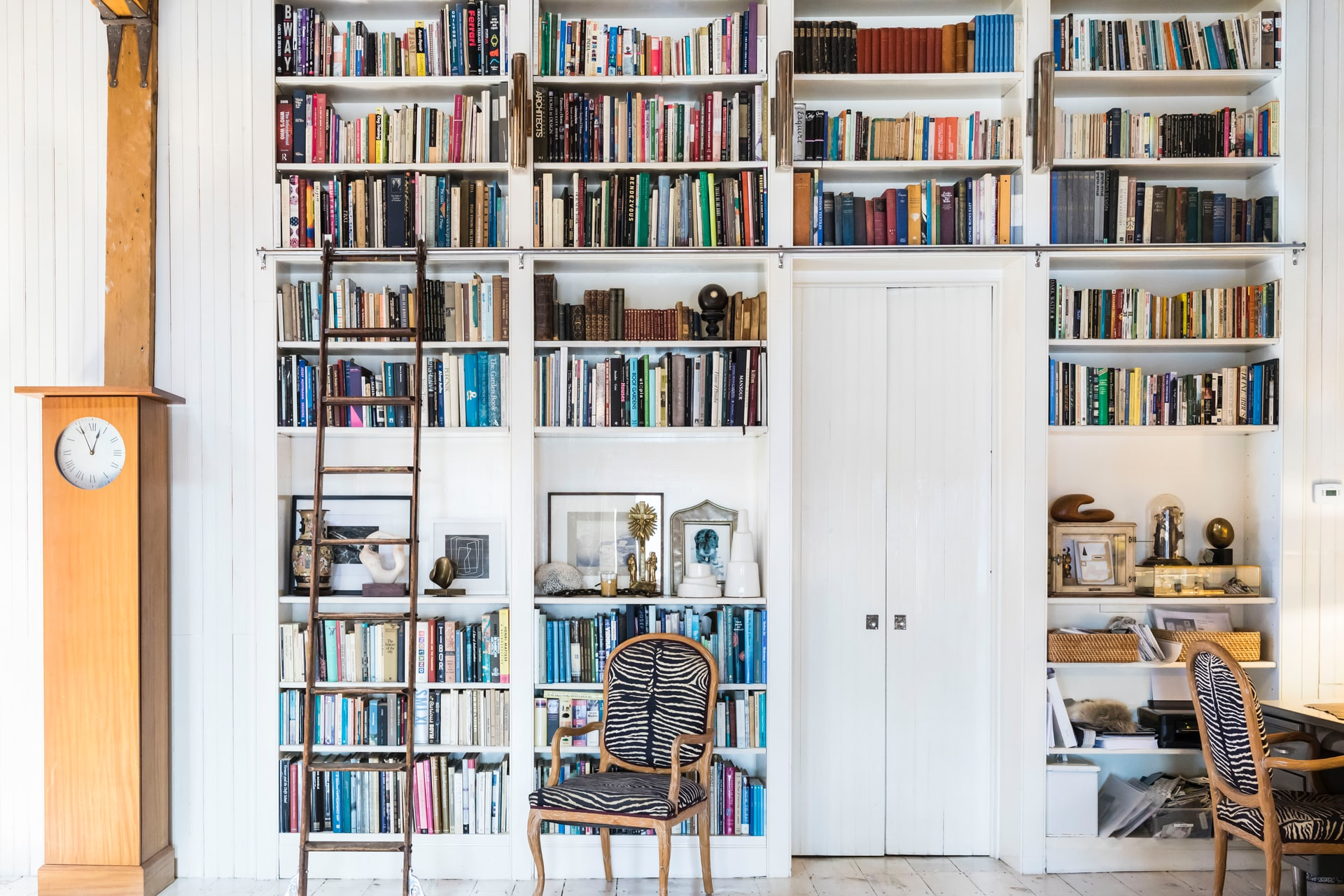 5 astuces pour apprendre à trier en accéléré… sa bibliothèque
